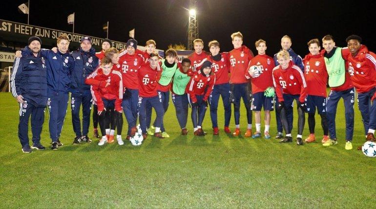 U19 van Bayern München op bezoek