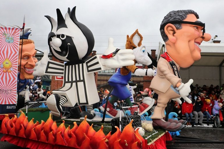 Iendracht en Okapi zij aan zij in carnavalsstoet