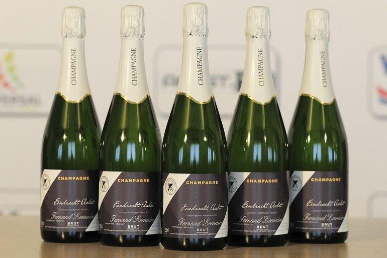 Champagne van het Eendracht huis te koop