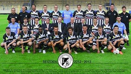 Officiële ploegfoto seizoen 2012 - 2013